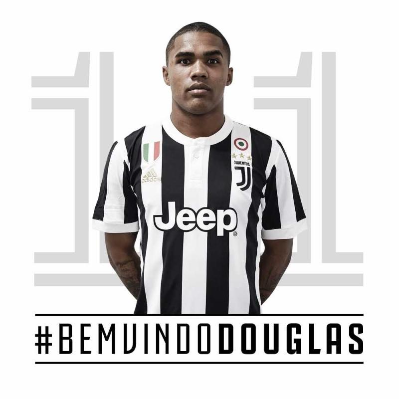 a684efc924 Douglas Costa é oficializado e assina por empréstimo de um ano com a  Juventus