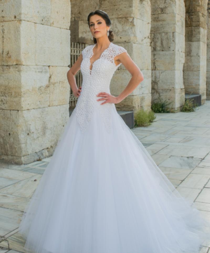 7afd431f4228 Estilista promove bazar com vestidos de noivas até 90% de desconto em  Goiânia