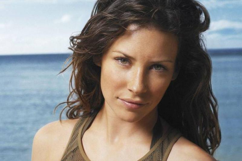 Criadores de Lost se desculpam com atriz por nudez forçada