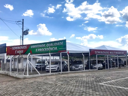 5815b1d8c Concessionária inaugura nova loja em Goiânia com promoções e variedade de  seminovos
